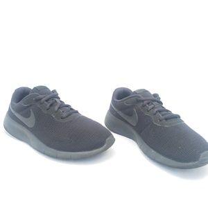 Nikes Black Athletic Flyknit Running Sneakers 7